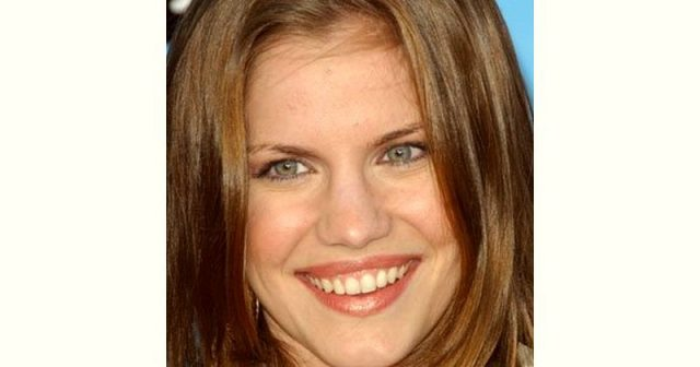 Anna Chlumsky Body Measurements Breasts Height Weight