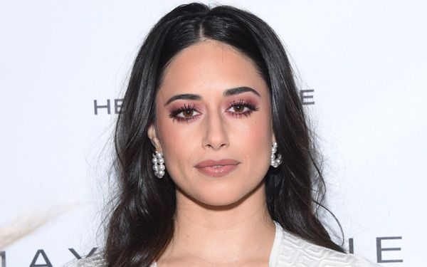 Jeanine Mason Body Measurements Breasts Height Weight