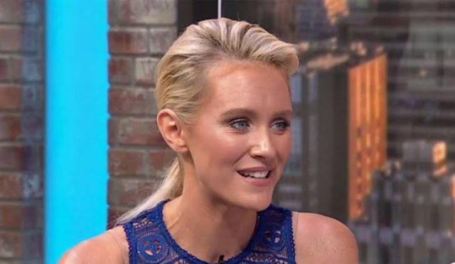 Nicky Whelan Body Measurements Breasts Height Weight