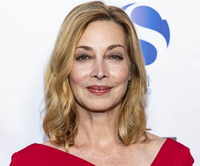 Sharon Lawrence Body Measurements Breasts Height Weight