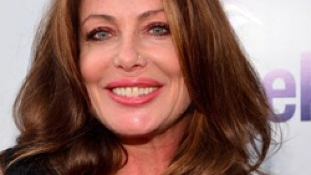 Kelly LeBrock Body Measurements Breasts Height Weight