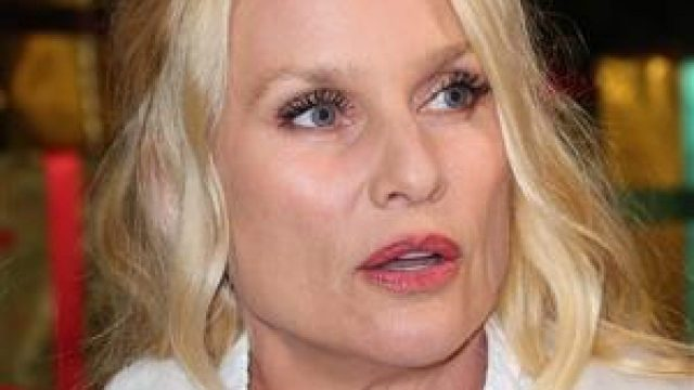 Nicollette Sheridan Body Measurements Breasts Height Weight