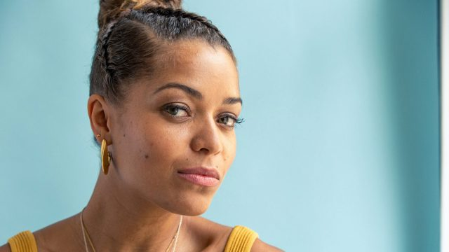 Antonia Thomas' Body Measurements Breasts Height Weight
