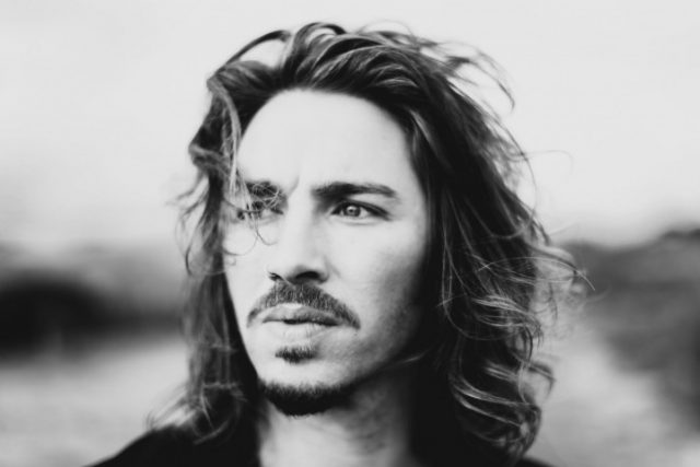Gil Ofarim's Body Measurements Shoe Size Height Weight