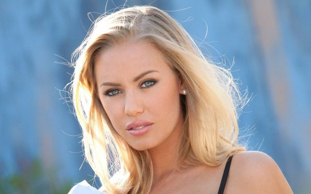 Nicole Aniston's Body Measurements Breasts Height Weight