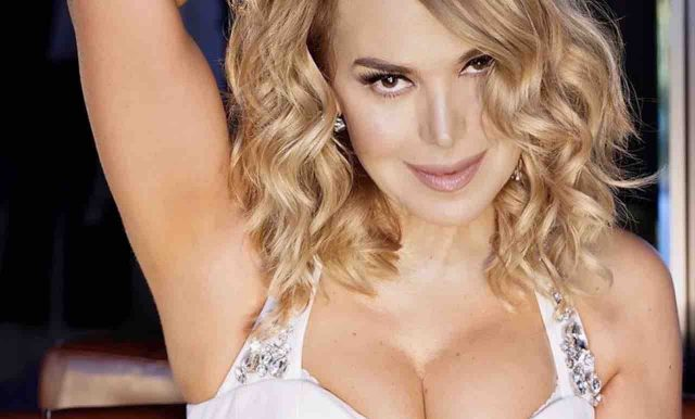 Barbara d'Urso's Body Measurements Breasts Height Weight